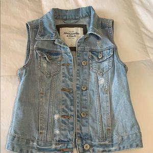 Abercrombie faded denim vest size XS